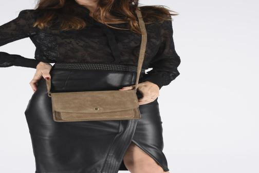 Handbags Georgia Rose Mima Leather Beige view from underneath / model view