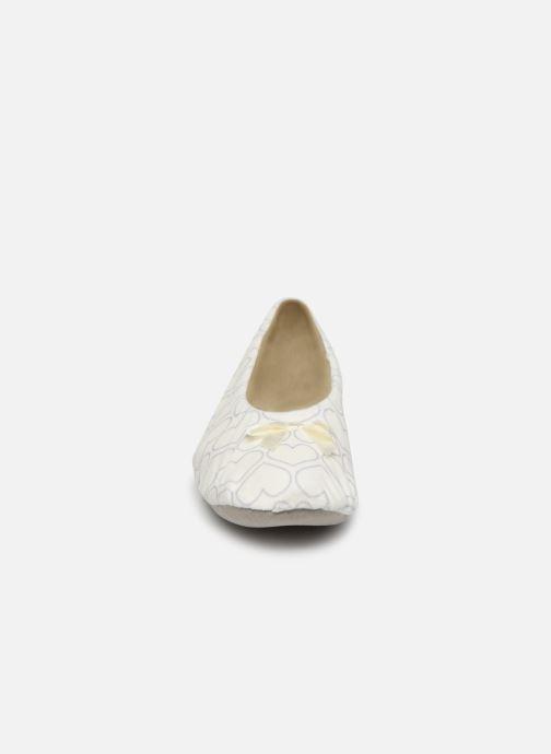 Chaussons Sarenza Wear Chaussons femme maison Blanc vue portées chaussures