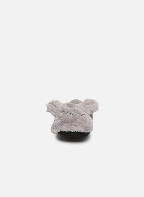 Slippers Sarenza Wear Chaussons animal fille Grey model view
