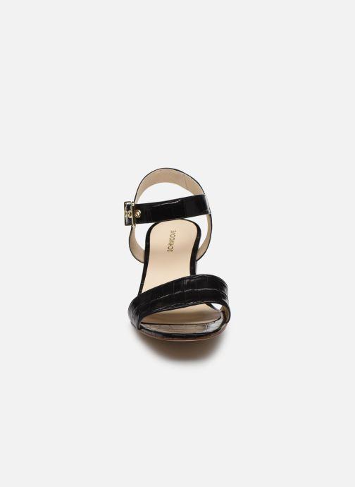 Sandali e scarpe aperte Schmoove Woman VENUS SANDALE PRINT CROCO Nero modello indossato