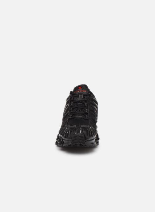 Sneakers Nike Nike Shox Tl Nero modello indossato