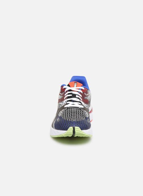 Sneakers Nike Nike Ghoswift Nero modello indossato