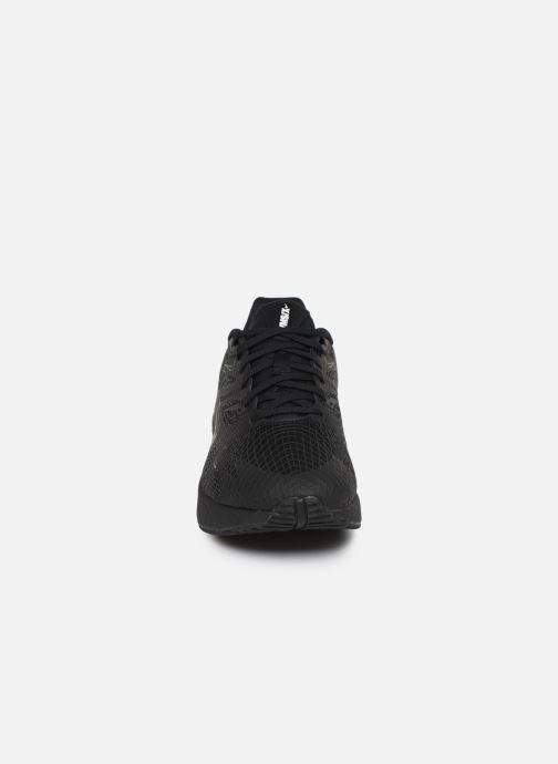 Baskets Nike Nike Ghoswift Noir vue portées chaussures