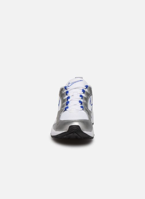 Deportivas Nike Nike Air Heights Plateado vista del modelo
