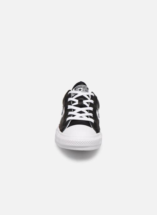 Sneakers Converse Star Player Leather Essentials Ox W Nero modello indossato