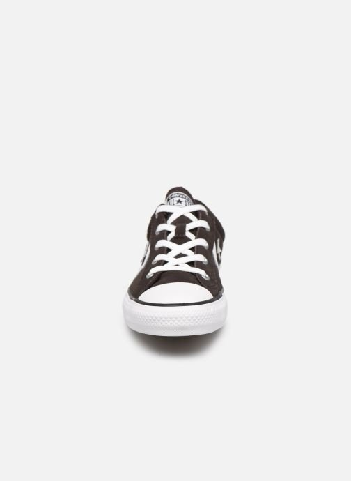 Sneakers Converse Star Player Ox Velvet W Marrone modello indossato