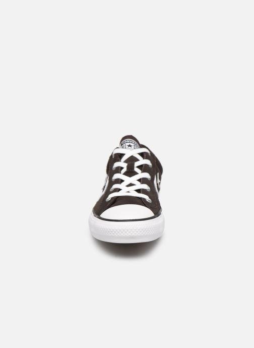 Sneakers Converse Star Player Ox Velvet W Marrone modello indossato