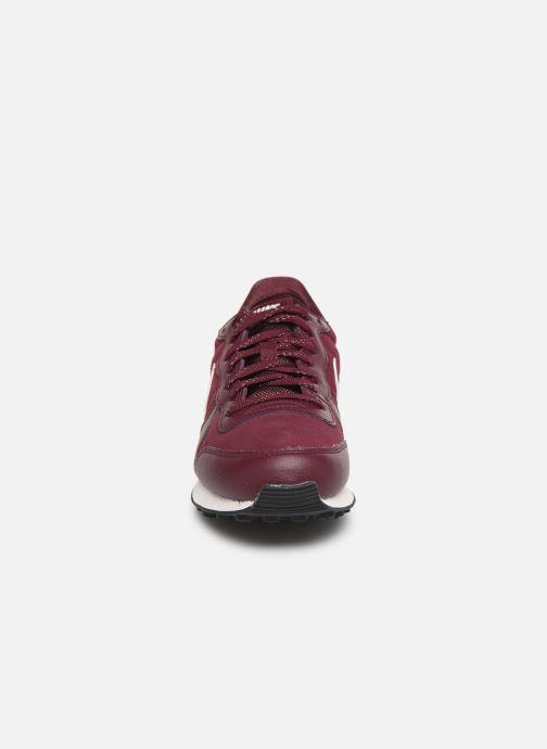 Baskets Nike Nike Internationalist Se Violet vue portées chaussures