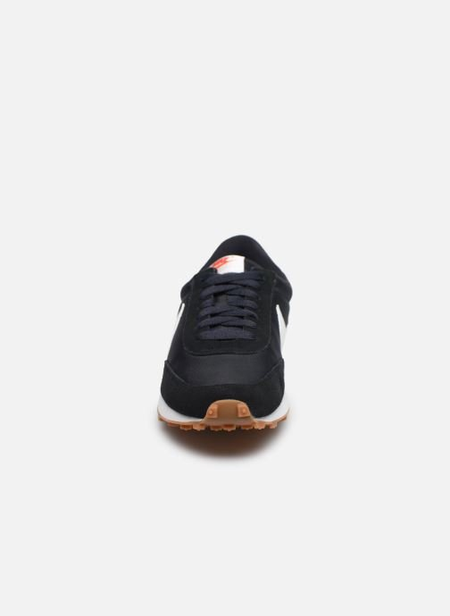 Baskets Nike W Nike Daybreak Noir vue portées chaussures