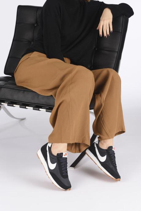 Sneaker Nike W Nike Daybreak weiß ansicht von unten / tasche getragen
