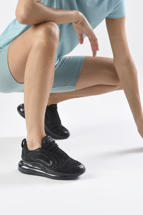 Baskets Nike W Nike Air Max 720 Noir vue bas / vue portée sac