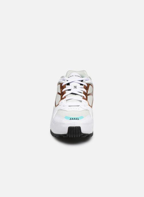 Baskets Nike Nike Shox Enigma Multicolore vue portées chaussures