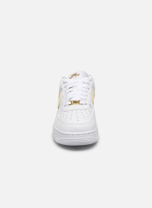 Baskets Nike Nike Air Force 1 '07 Essential Blanc vue portées chaussures