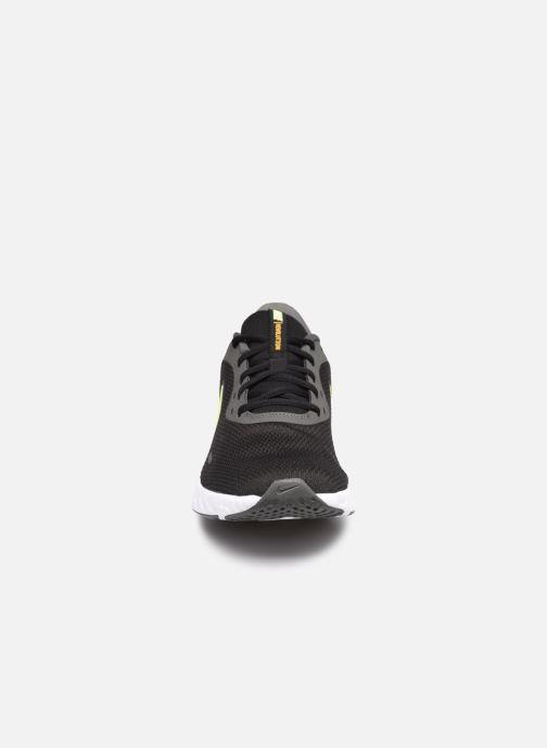 Sneaker Nike Nike Revolution 5 schwarz schuhe getragen