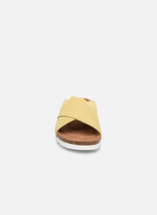 Clogs & Pantoletten Vero Moda Vmholly Leather Sandal gelb schuhe getragen