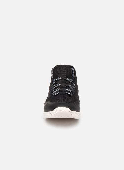 Sneakers Pepe jeans Wade Knitsock Nero modello indossato