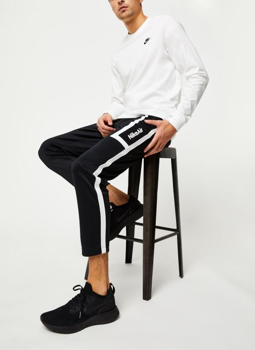 Vêtements Nike M Nsw Club Tee - Ls Blanc vue bas / vue portée sac