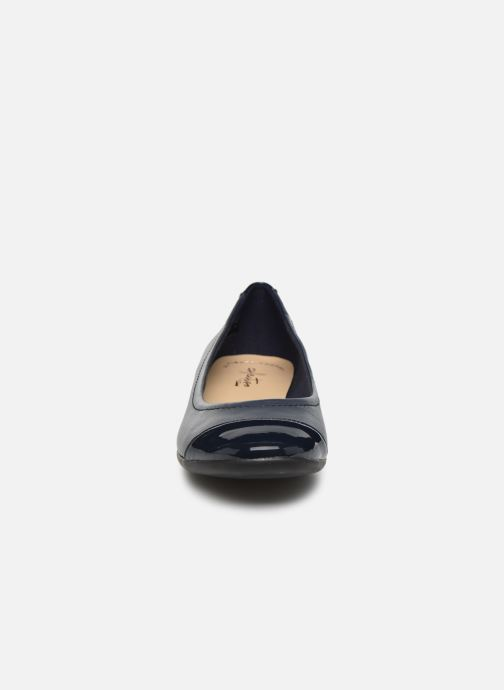 Ballerines Clarks Atomic Haze Bleu vue portées chaussures