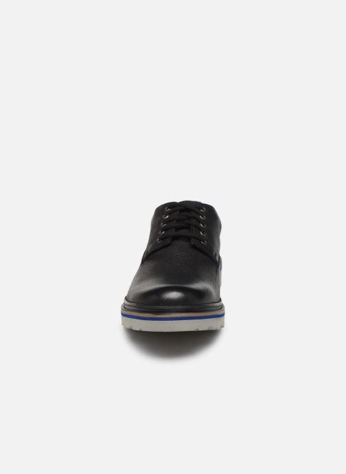 Scarpe con lacci Clarks Frelan Edge Nero modello indossato