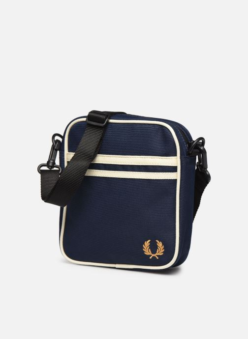 Sacs homme Fred Perry TWIN TIPPED SIDE BAG Bleu vue portées chaussures