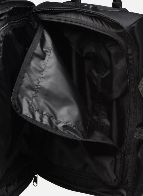 Bagages Eastpak TRANVERZ Valise cabine Noir vue bas / vue portée sac