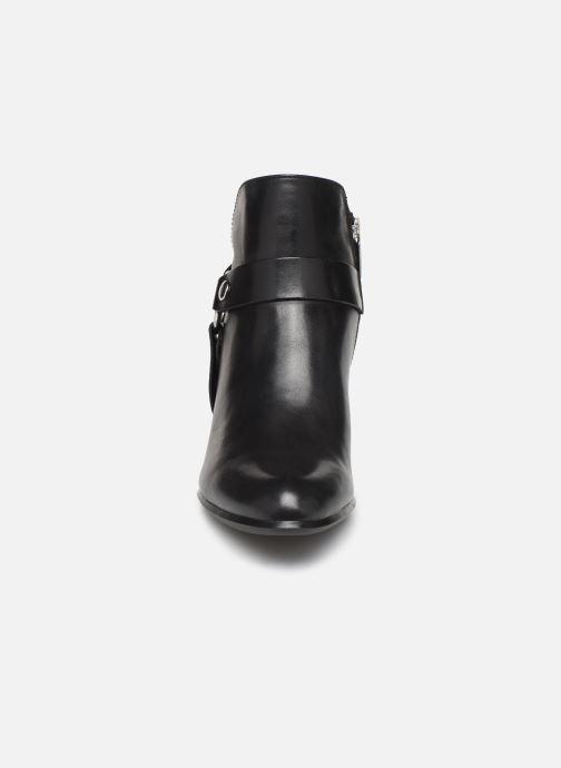 Bottines et boots Tamaris LILA Noir vue portées chaussures