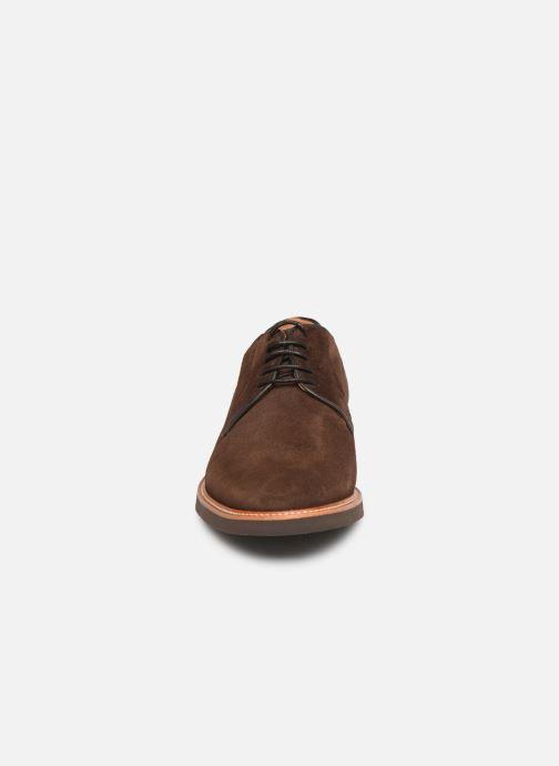 Zapatos con cordones Sebago Derby Suede Marrón vista del modelo