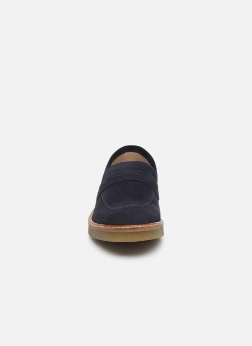 Mocassins Kickers Oxmoxy suede Bleu vue portées chaussures