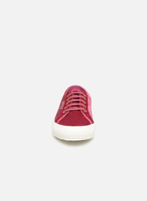 Sneakers Superga 2750 Velvet Chenille W Rosa modello indossato