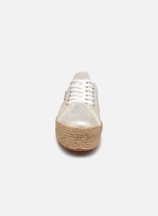 Baskets Superga 2790 Jersey Frost Lame W Bleu vue portées chaussures