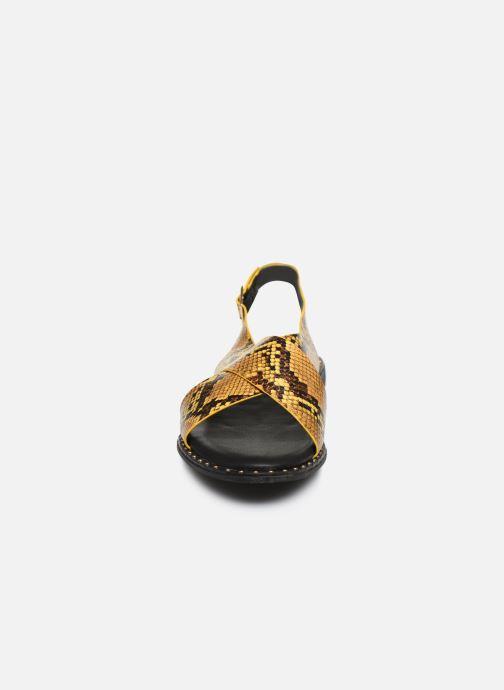 Sandali e scarpe aperte I Love Shoes CAPITA Giallo modello indossato