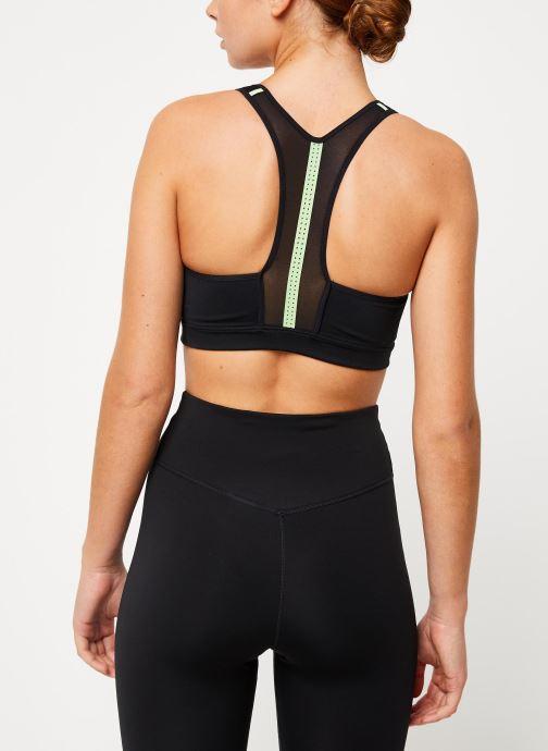 Vêtements Nike Nike Impact Bra Noir vue portées chaussures