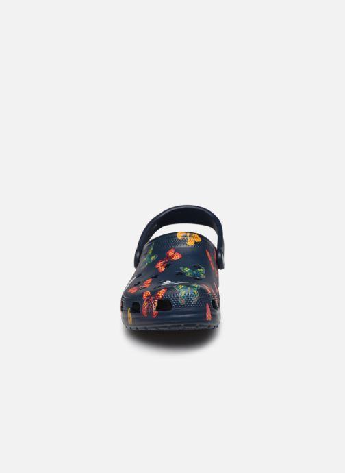 Mules et sabots Crocs Classic Vacay Vibes Clog Bleu vue portées chaussures