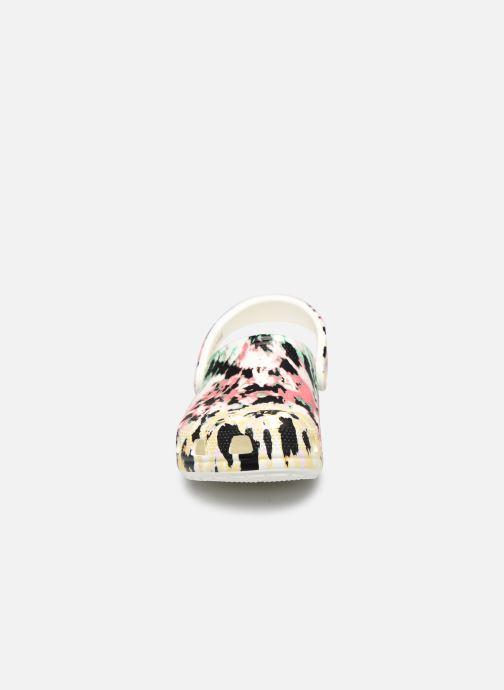 Mules et sabots Crocs Classic Tie Dye Mania Clog Multicolore vue portées chaussures