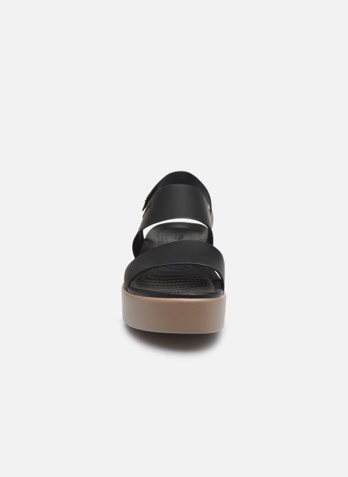 Sandalias Crocs Crocs Brooklyn Low Wedge W Negro vista del modelo