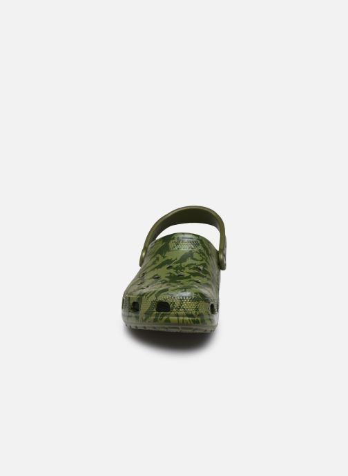 Sandales et nu-pieds Crocs Classic Printed Camo Clog Vert vue portées chaussures