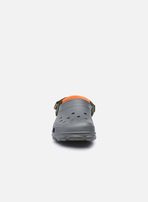 Sandalen Crocs Classic All Terrain Clog grau schuhe getragen