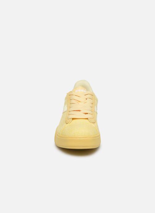 Baskets Diadora Game Step Cv Jaune vue portées chaussures