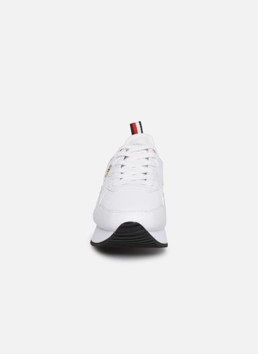Sneakers Tommy Hilfiger TOMMY DRESS CITY SNEAKER Bianco modello indossato