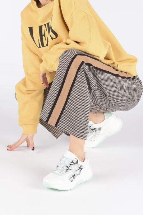 Sneaker I Love Shoes THOFFY weiß ansicht von unten / tasche getragen