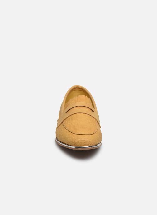 Mocassins I Love Shoes THEVONI Jaune vue portées chaussures