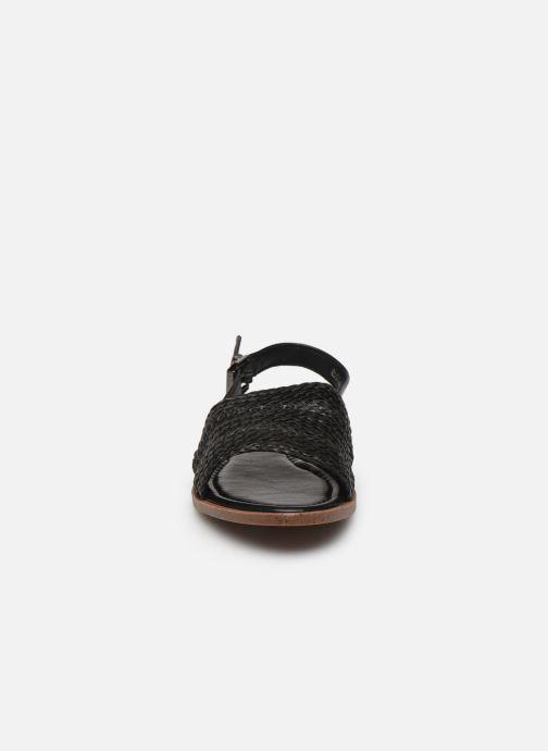 Sandali e scarpe aperte I Love Shoes THUMMER Nero modello indossato