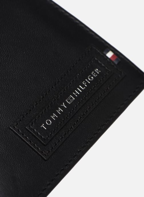 Petite Maroquinerie Tommy Hilfiger MODERN EXTRA CC AND COIN Noir vue gauche