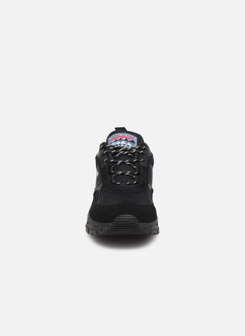 Baskets Tommy Hilfiger FASHION MIX SNEAKER Noir vue portées chaussures