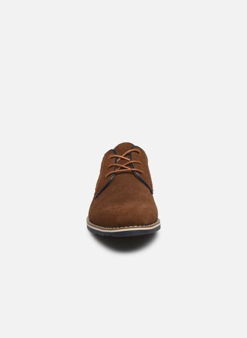 Scarpe con lacci I Love Shoes KESSO LEATHER Marrone modello indossato