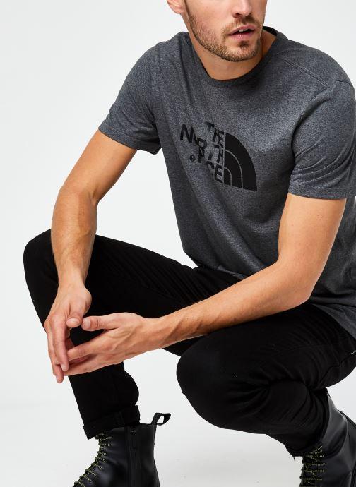 Vêtements The North Face M S/S EASY TEE Gris vue détail/paire