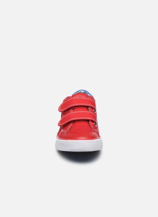 Sneaker Pablosky Baskets Lifestyle rot schuhe getragen