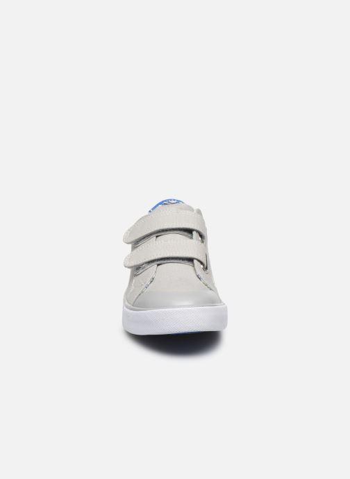Sneakers Pablosky Baskets Lifestyle Grigio modello indossato