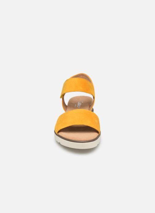 Sandales et nu-pieds Gabor NOUR Jaune vue portées chaussures