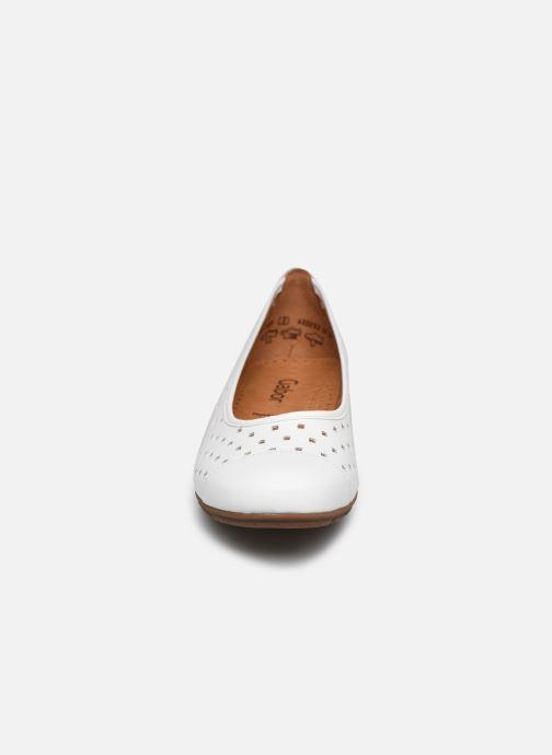 Ballerines Gabor VAEA Blanc vue portées chaussures
